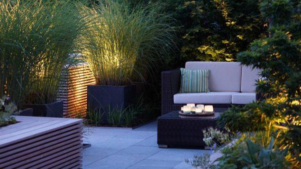 Terrassengestaltung_Beleuchtung_Holz