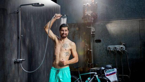 stage_peter-sagan_hand-shower_sponsoring_3840x2160