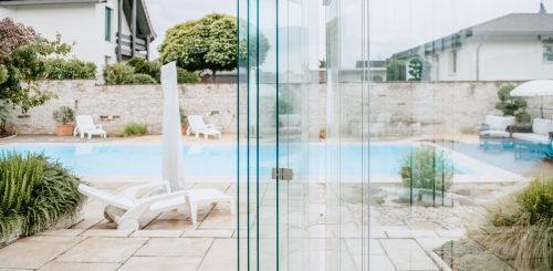 COVER-Verglasung-Windschutz-rahmenlos-aus-Glas