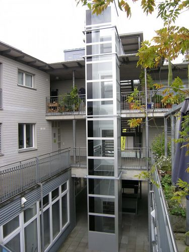 Lift-aussen-mehrere-Stockwerke-nachraeglich