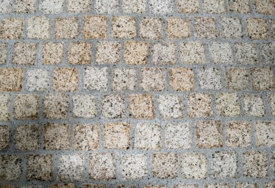 13412 Granit gelb Pflaster.jpg