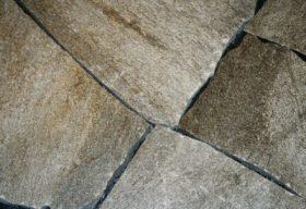 26790 Soglio bruchroh Mosaikplatten.jpg