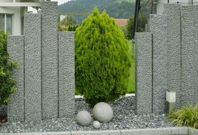 29866 Granit dunkel Palisaden.jpg
