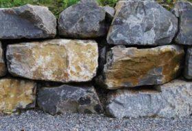 33971 Guber formwild gespalten Quadersteine Blockwurfn.jpg