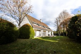 Einfamilienhaus ca. 300m2 in Lenzburg