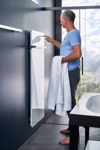 eintauchen-ins-blaue-bad-waermender-heizkoerper-waschtisch-inspiration-badewelten