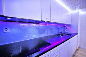 küchenrückwand mit relief